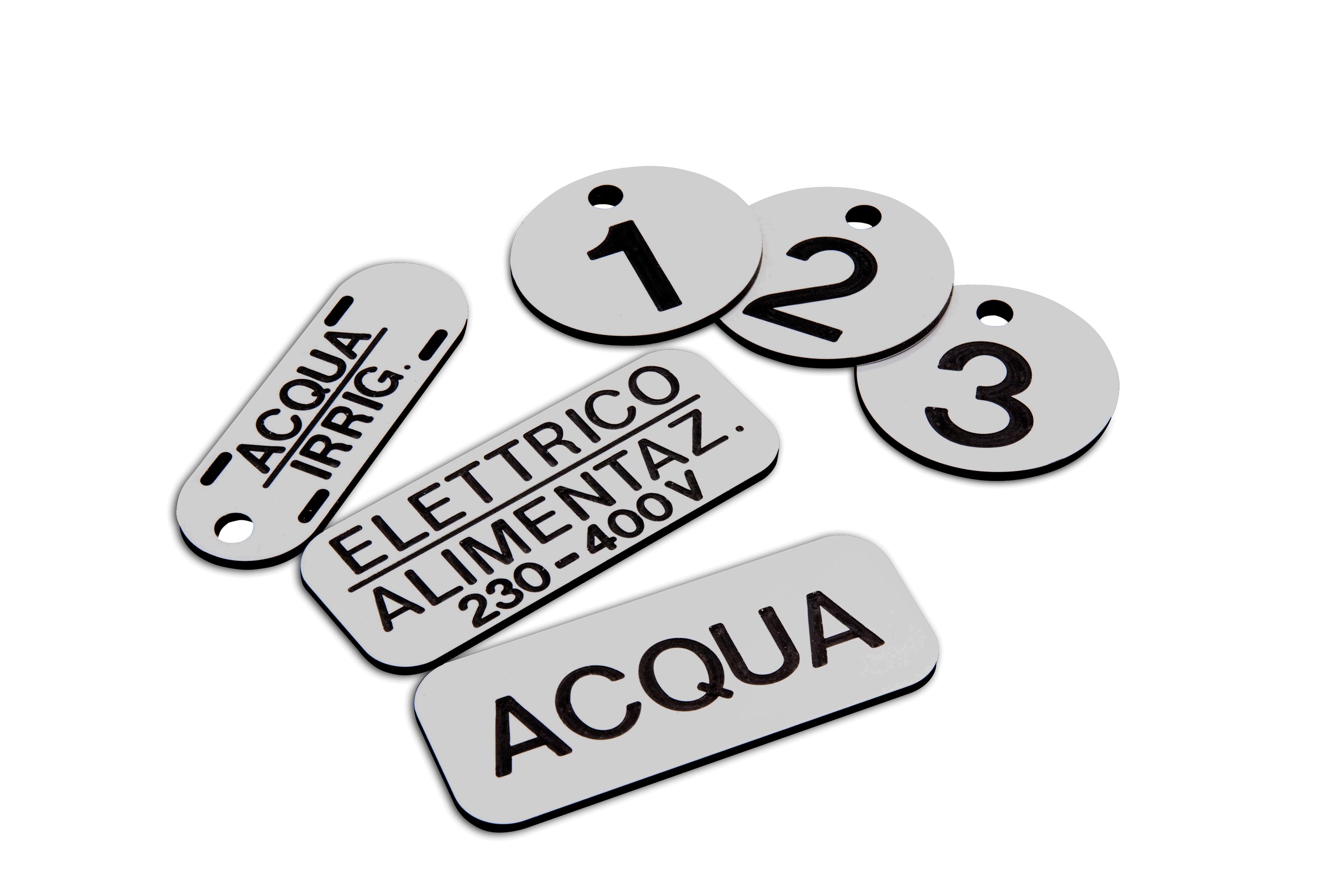 stampa etichette rigide in plexiglass forex e dibond
