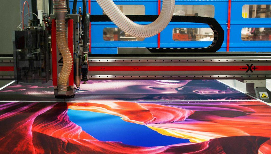 taglio lastra in forex stampata uv