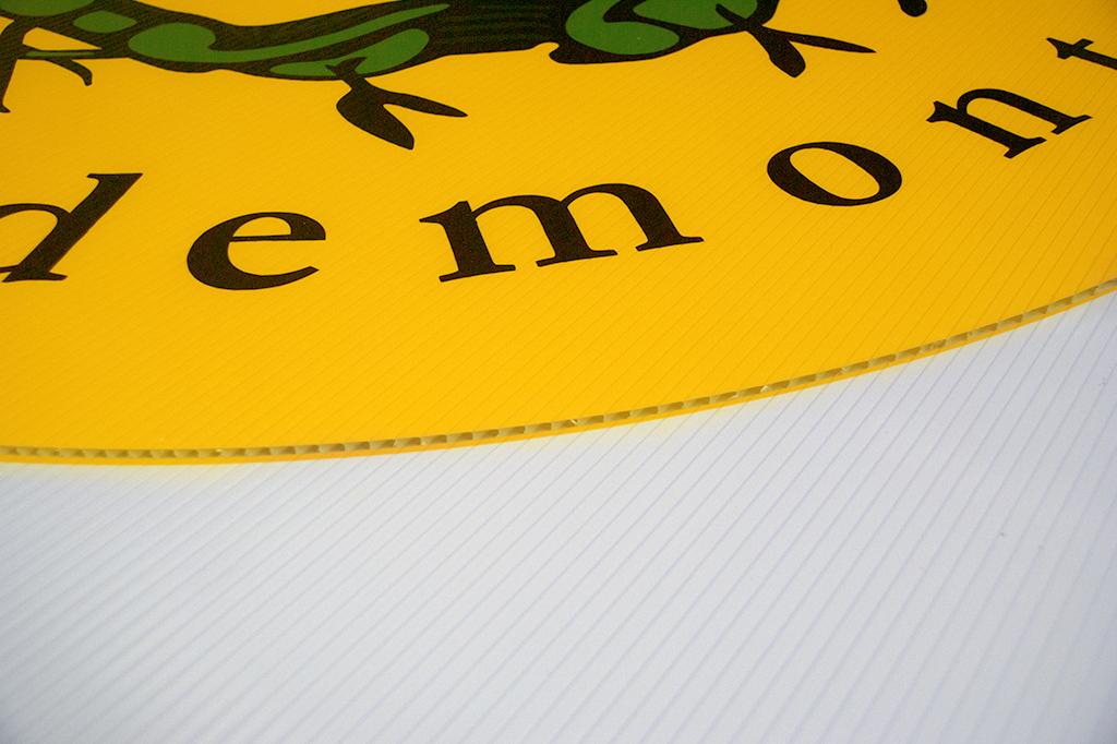 taglio pannello per insegna realizzata per Cantina Sociale Formigine Pedemontana (MO)